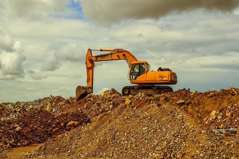 Excavator Hire Helps to Save Money in Different Ways