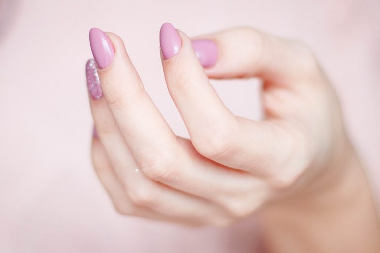5 Benefits Of Using The Halal Nail Polish