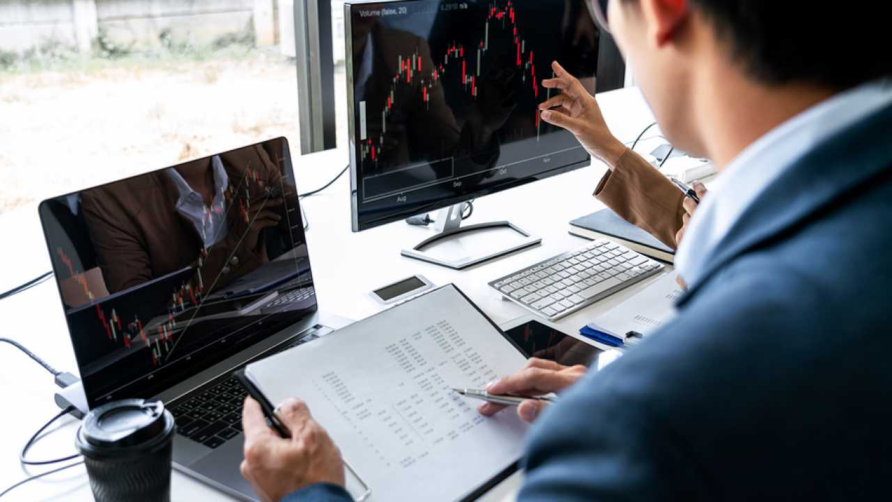 Factors to Consider When Choosing Reliable Forex Brokers